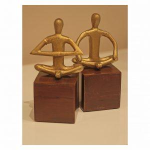 entrecasa escultura ioga